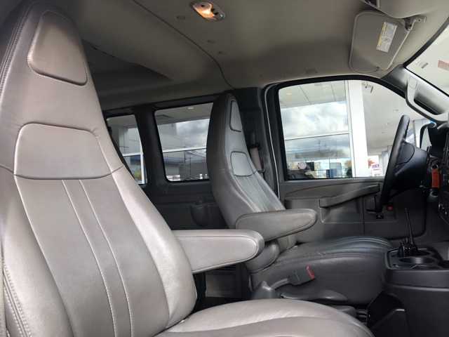 Pre-Owned 2016 Chevrolet Express 2500 LS