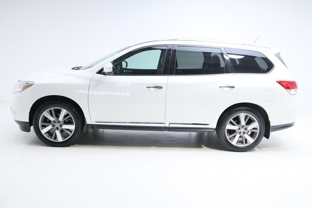 Pre-Owned 2014 Nissan Pathfinder Platinum
